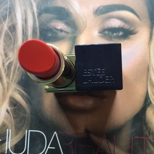 Estée Lauder pure color envy 370 carnal red